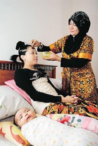 Postnatal Malay massage service